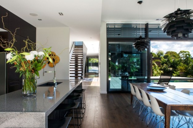 Private residence Godden Cres by Architects & Associates-8