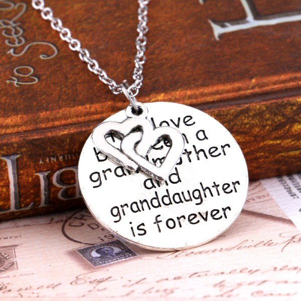necklace-ladies-grandma-the-love-between-a-granddaughter-pic