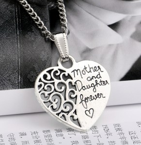necklace-mother-daughter-forever-heart-pic
