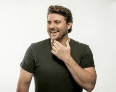 Chris Young Debuts Duet With Cassadee Pope