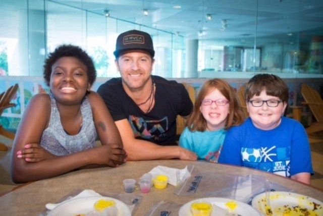 Kip Moore Makes Time To Visit St. Jude Children's Research Hospital