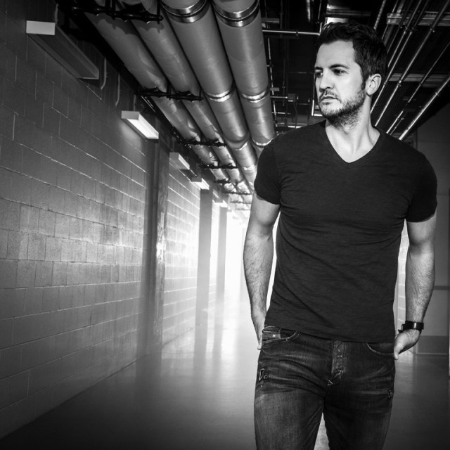 Luke Bryan Is On The 'Move' With New Single