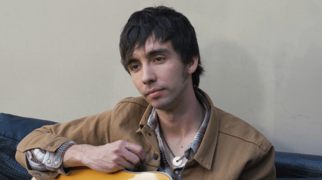 LIVE SESSION: Mo Pitney – 'Take The Chance' / 'Little Boys And Their Daddies'