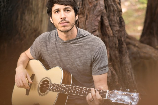 INTERVIEW: Morgan Evans On UK Plans, 'Things That We Drink To', Touring With Dan + Shay & More…