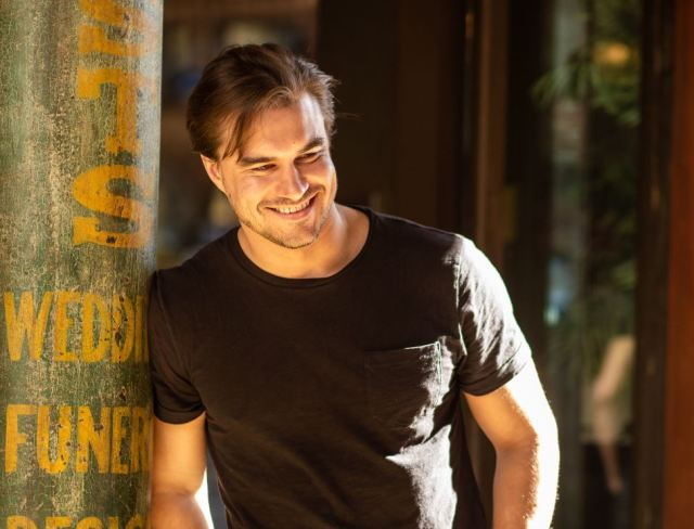 INTERVIEW: L.A. Actor/Musician Rob Mayes On New Music & Upcoming Projects