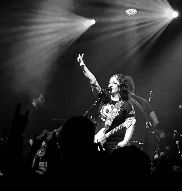 GIG REVIEW: Ashley McBryde – Live At Manchester Academy2