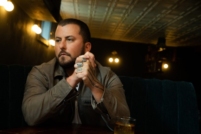 EP REVIEW: Tyler Farr – 'Only Truck In Town'