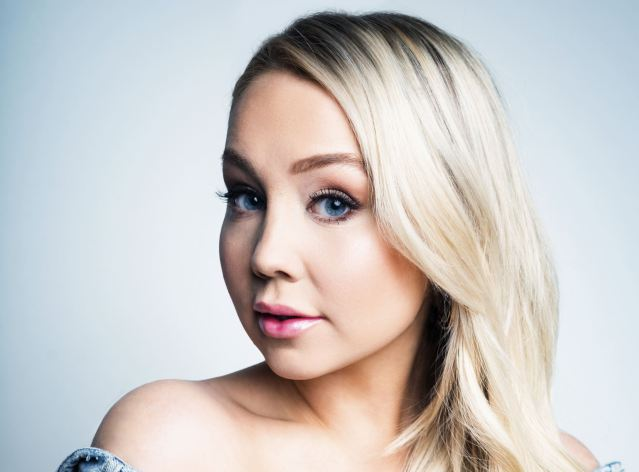 RaeLynn Gets Personal With New Series, 'Baytown Diaries'