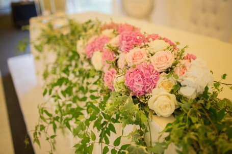 """Top table flowers by """"Your London Florist"""""""