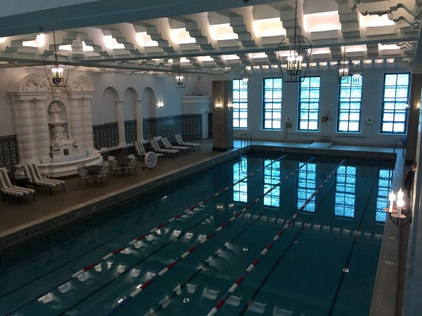 Pool Intercontinental Chicago