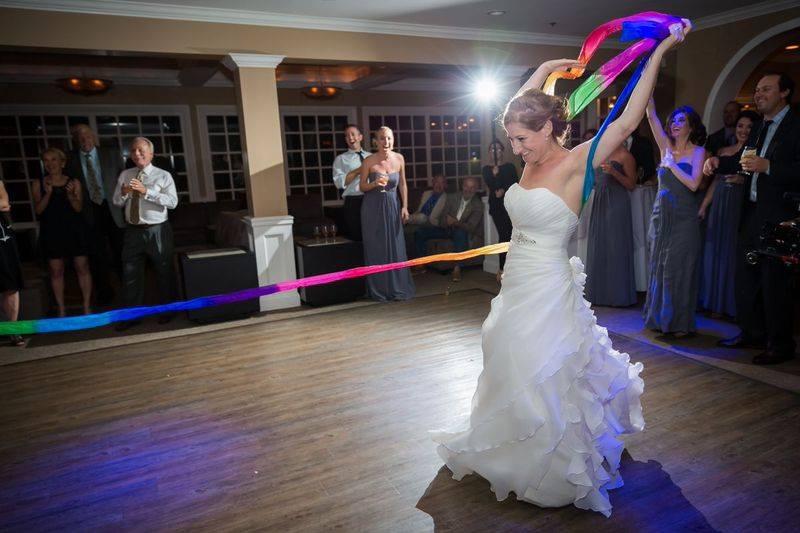 Bridal party dances