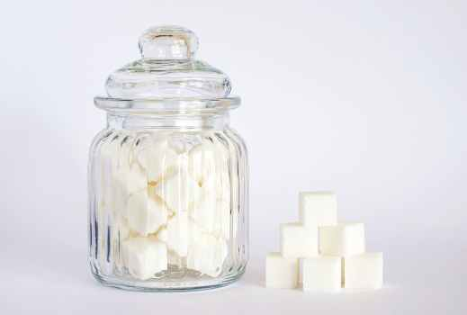 Sugar or artificial sweeteners for PCOS?