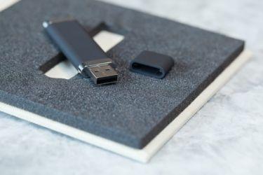 POCHETTE USB
