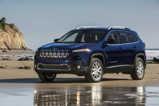Hackers Remotely Take Control of a Chrysler Jeep and Lead it Into a Ditch