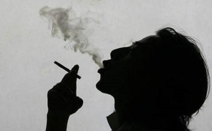 Scientists Studying Link Between Smoking, Schizophrenia