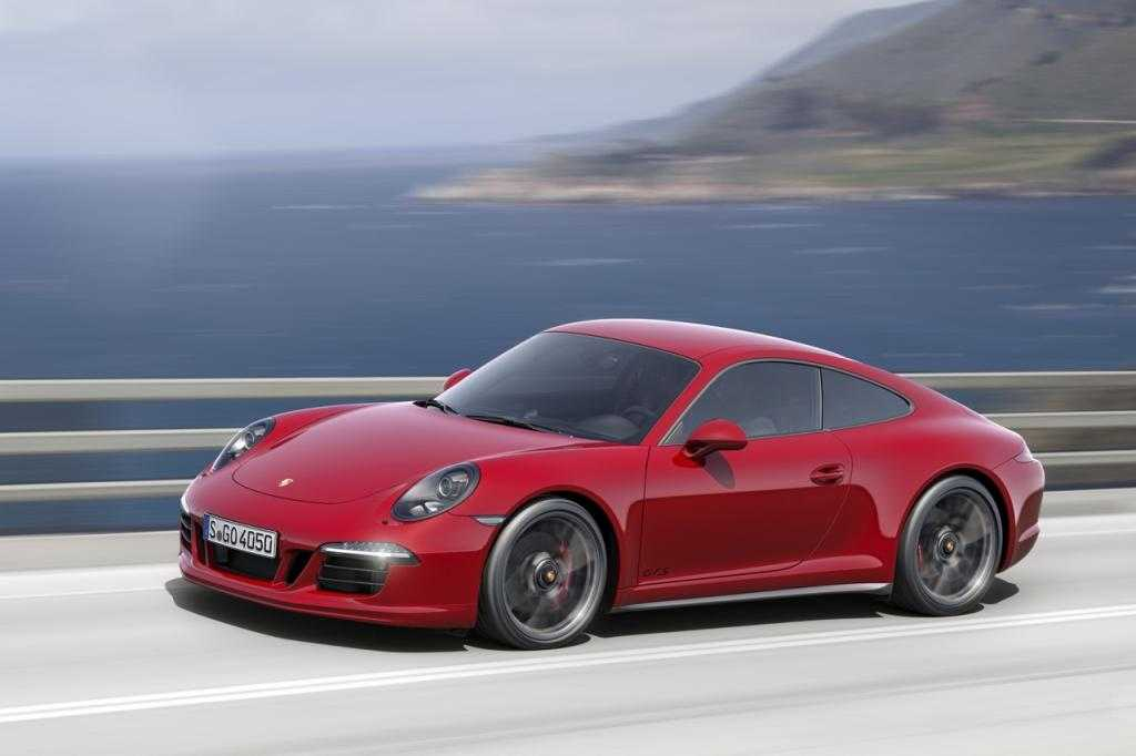 2015 Porsche 911 Carrera GTS Offers Flagship Speed at Budget Pricing