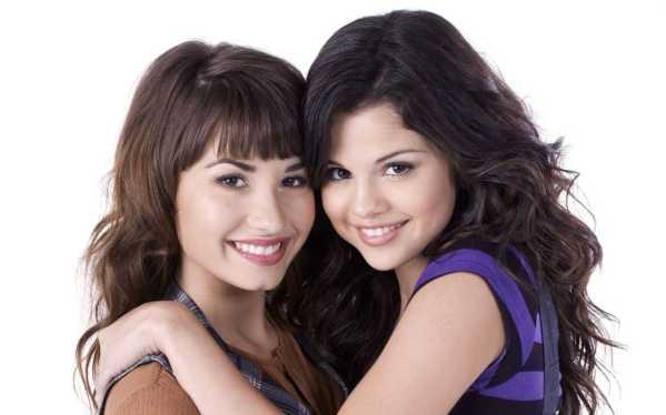 Selena-Gomez