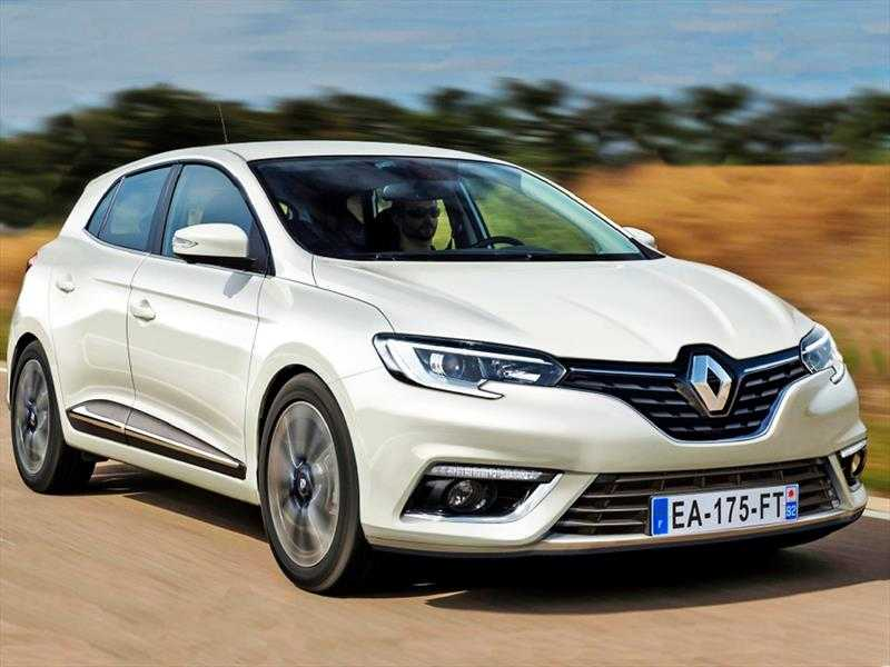 2016 Toyota Prius vs 2015 Opel Astra vs 2016 Renault Megane – Which Will Get the Best Hatchback Award?