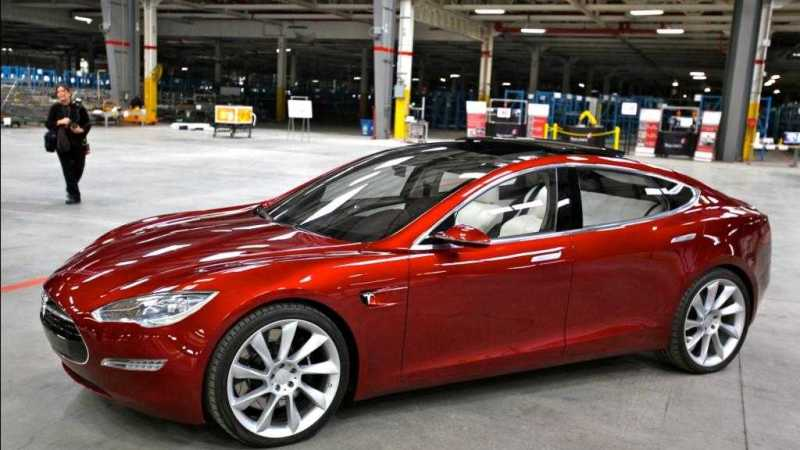 Tesla_Model_S_Indoors