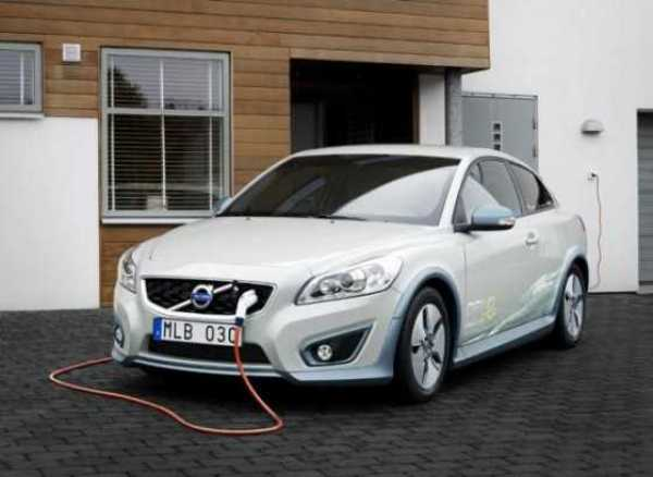 Volvo-C30-Electric-Car