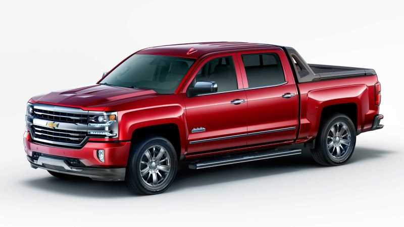 2017 Chevrolet Silverado High Desert Package front