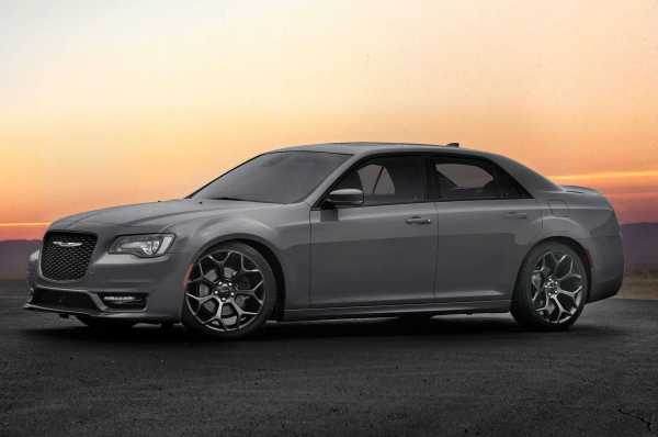 2017 Chrysler 300S with Sport Appearance package front