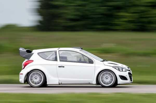 Hyundai i20 WRC Right Side Track