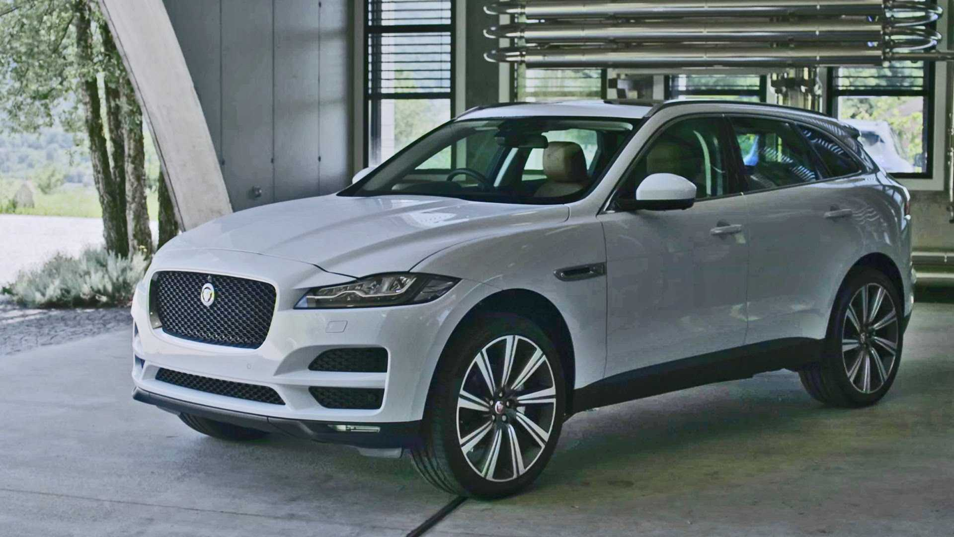 2016 Jaguar F-Pace Arrives Next Month in Three Variants