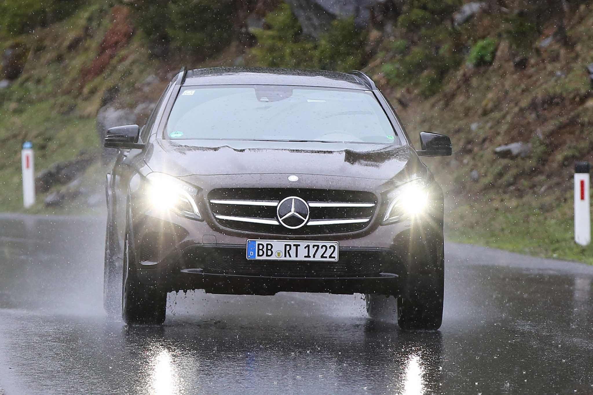 Mercedes GLB Crossover SUV Spy Pictures Spotted
