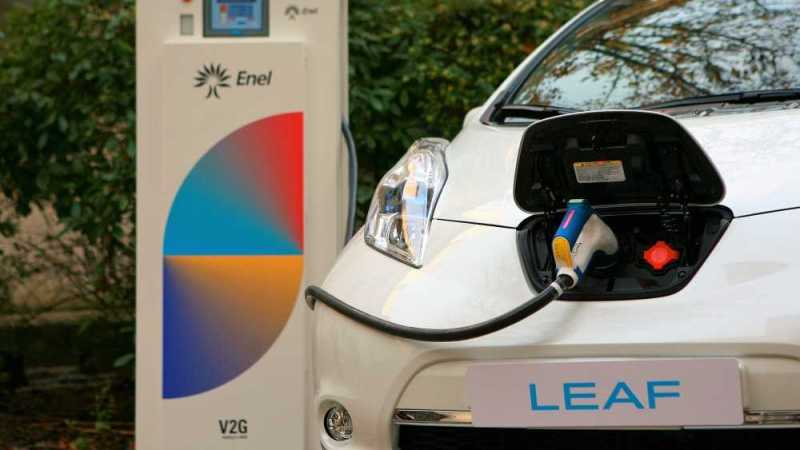 Nissan Future EV Tech with Car-to-Grid System