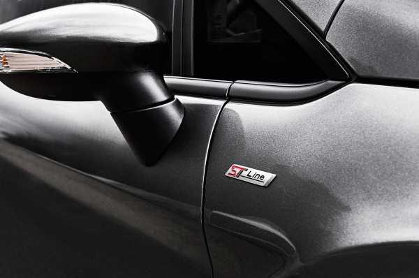 Ford Fiesta ST Line fender badge