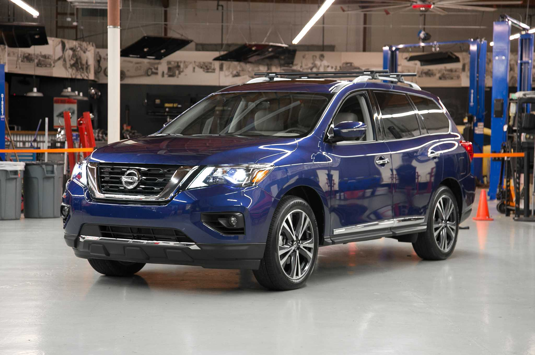 2017 Nissan Pathfinder Removes Hybrid Powertain From Its Lineup