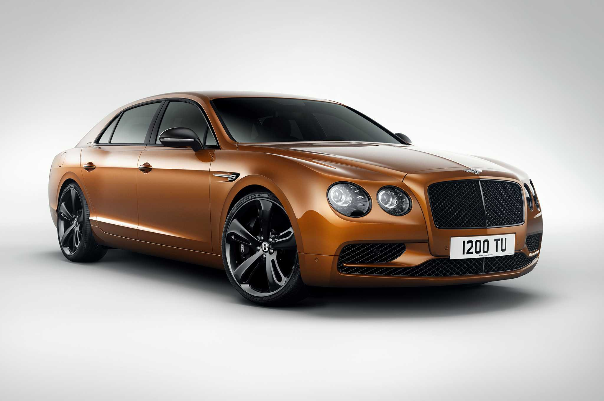 2017 Bentley Flying Spur W12S Hits Top Speed Of 200 MPH