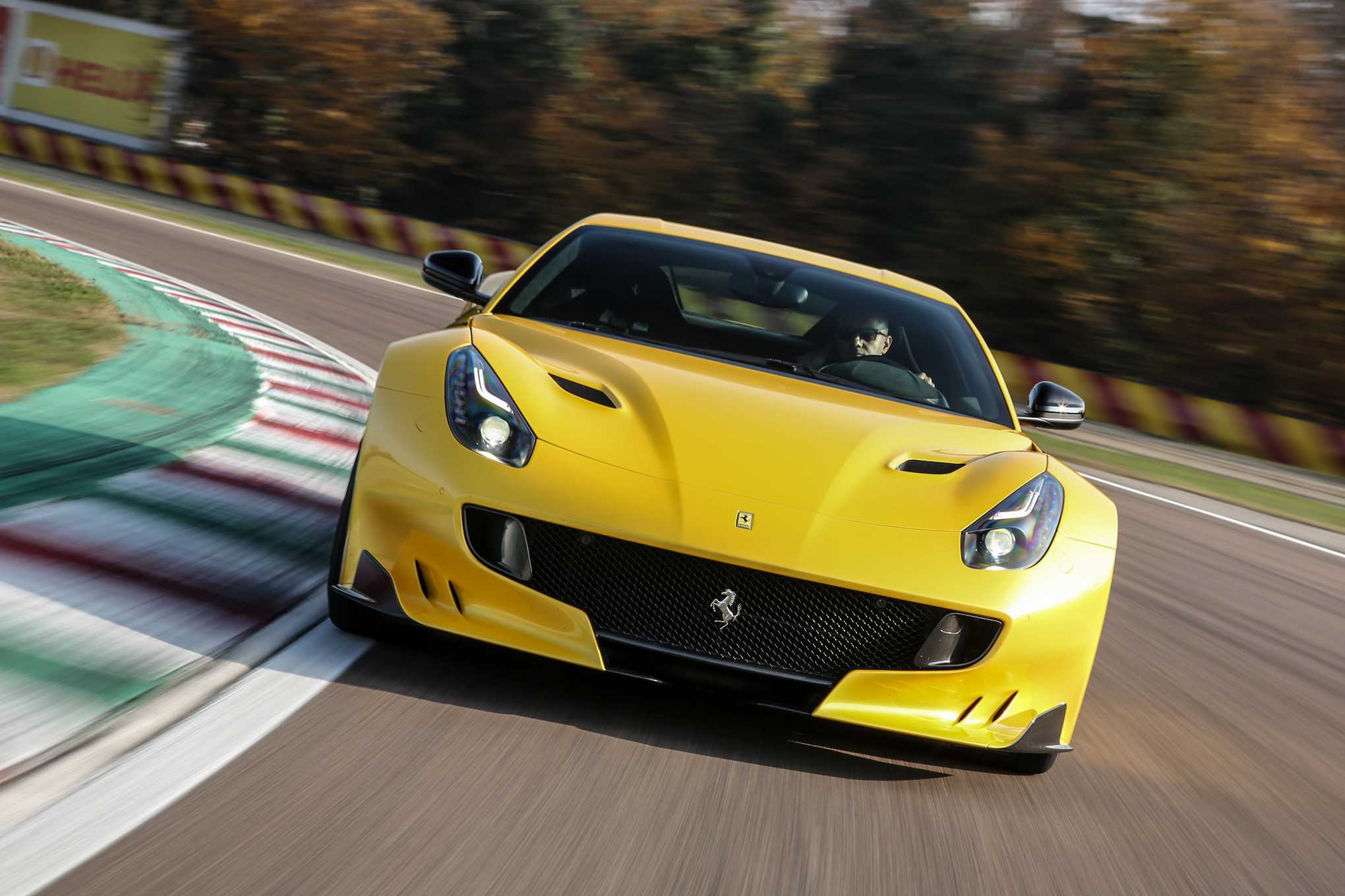 Next Gen Ferrari F12 will not Sport Hybrid or Turbo Engines, Goes with V12