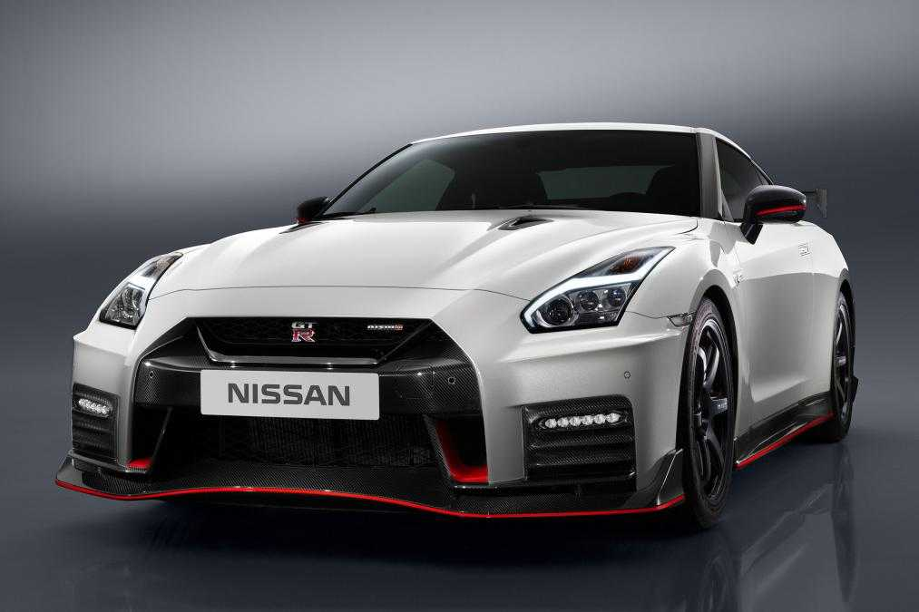 Nissan GT-R Nismo is Expected to Cost £149,995 at Launch