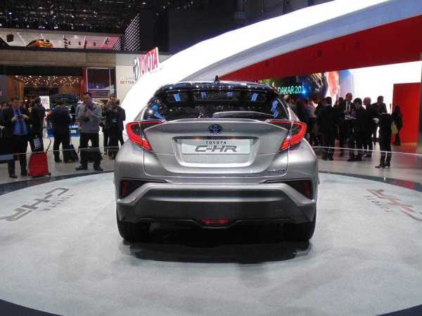 Toyota C-HR Base Model Price