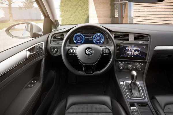 2017 Volkswagen e-Golf Gets Improved