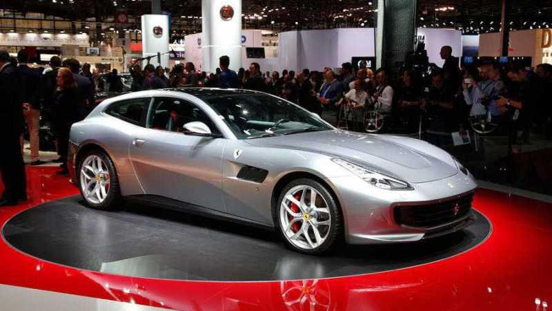 Ferrari GTC4 Lusso with V8