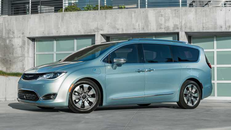 Chrysler Got an All-Electric Car to Showcase at CES 2017