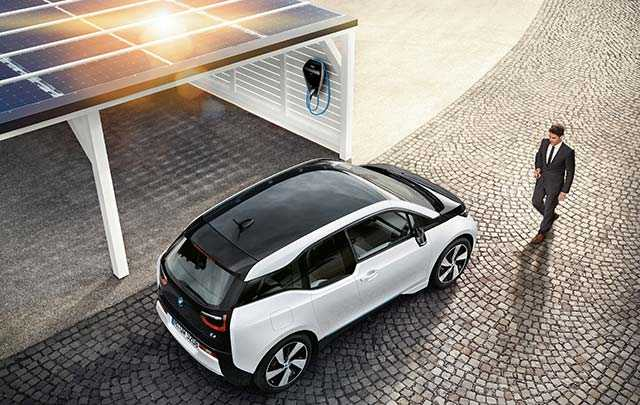 BMW Digital Charging Services Promote Electric Cars with Autonomous Charging and Cost Efficiency