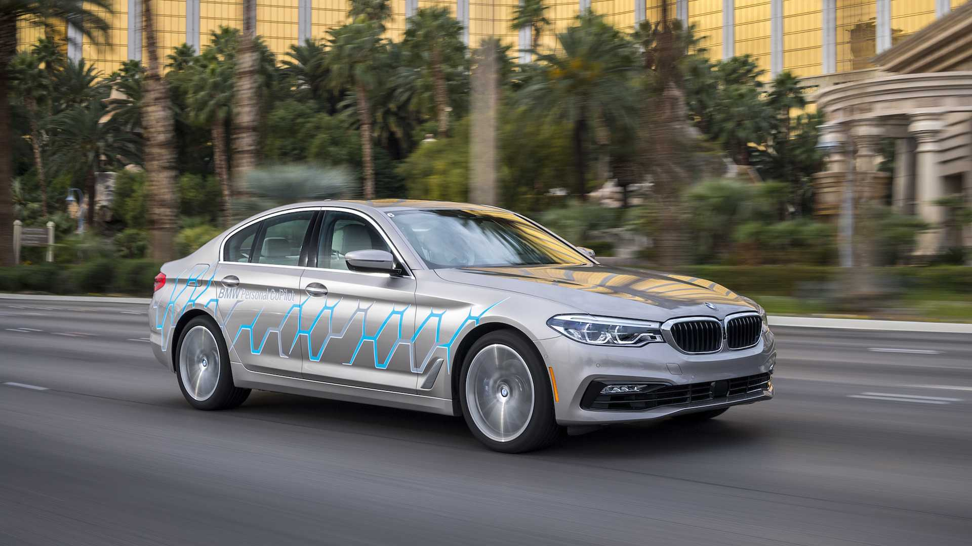 BMW 5 Series Cars with Autonomous Driving Capability Revealed at CES 2017