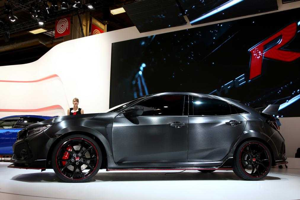 2017 Honda Civic Type R Leaked Images are Here with Specifications