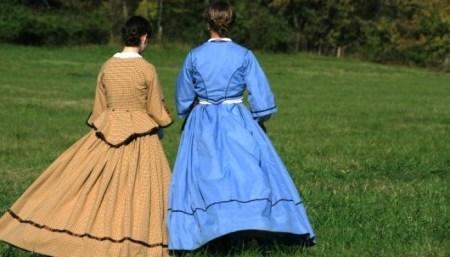 Short-Story-Remorse-two-girl-friends-garden
