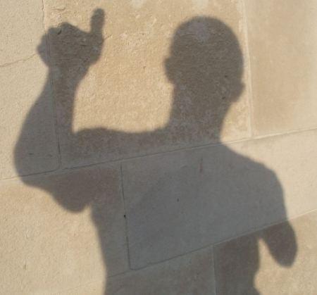suspense-short-story-shadow-on-wall