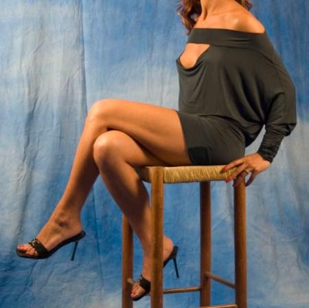woman-table-legs-mystery