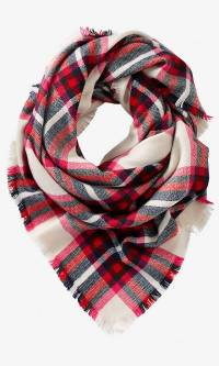 Plaid Scarf: Huge Fall Fashion Staple! | Your Style Journey