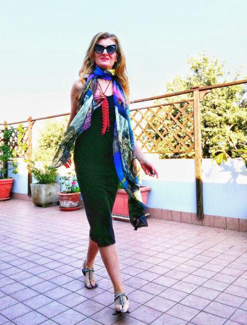 tubino nero e foulard