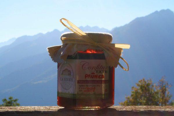 confiture de prunes de la yourte permaculture nature ferme bio yourte végétale saint françois longchamp savoie