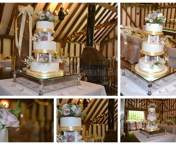 Pillars and Gold Wedding Cake