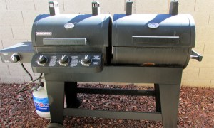 Outdoor grill with both gas and charcoal capabilities - 4446 E Desert Wind Dr, Phoenix / Ahwatukee AZ - Great Ahwatukee neighborhood near Loop 101 and I-10 - Bill Salvatore, Arizona Elite Properties -602-999-0952 - Elite Property Management